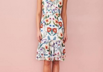 Modern Way To Style Floral Dresses For Your Teen Girls